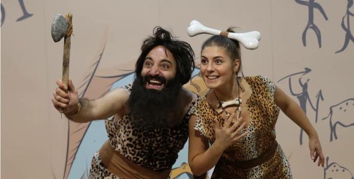 Evli ve Zavallı İstanbul sahnelerinde