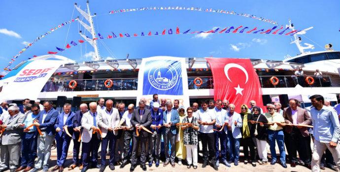 Valide Sultan Boğaz'a indi