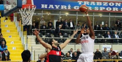 Trabzon baskette de farklı kazandı